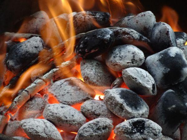 doch ob mieter oder eigent mer wen der grill des nachbars st rt muss sollte es zu einem. Black Bedroom Furniture Sets. Home Design Ideas